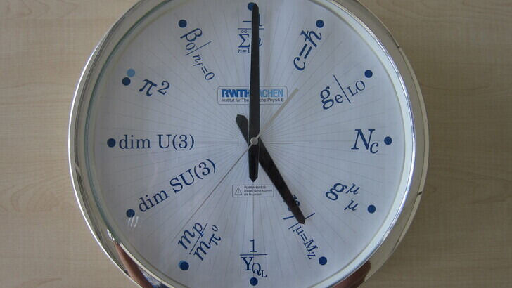 clock shows 5pm
